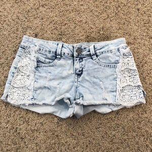 Vanilla Star light wash denim shorts with lace